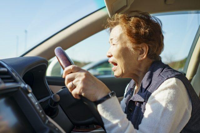 交通事故の加害者になったら、健康保険を使わないといけないのか?|岡山市南区